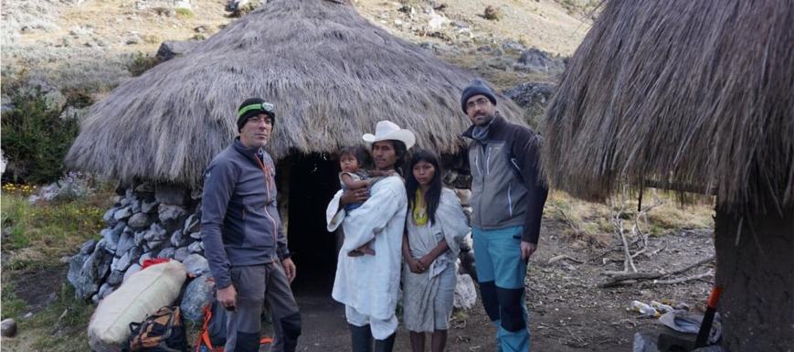 Los hermanos Romero, con los Kogui