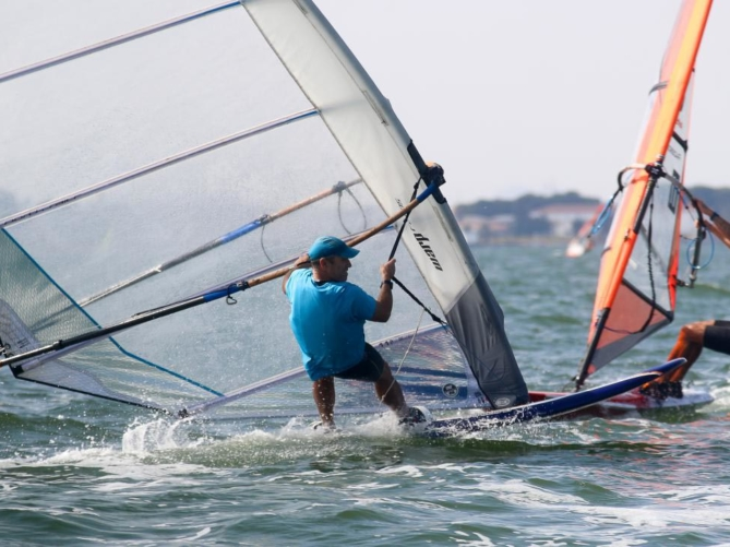 Alfonso Tertre, subcampeón de España de windsurf con CLM