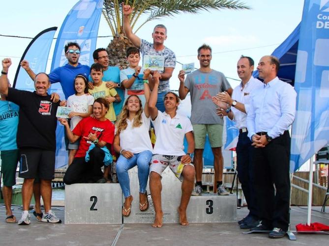 Podio del Nacional de windsurf, en el que CLM quedó segunda