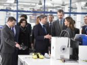 Los reyes visitan las instalaciones de Joma, la empresa que fundó el ayudante de un zapatero
