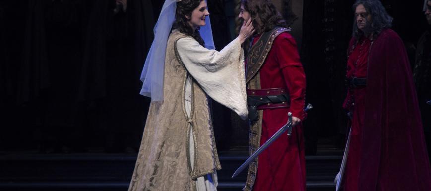 Escena de Il Trovatore, de la Compañía Ópera 2001