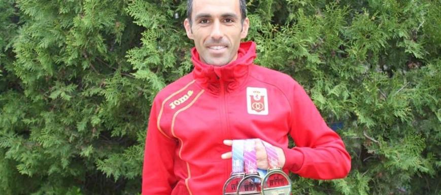 Pedro Vega, tres medallas en el Europeo máster
