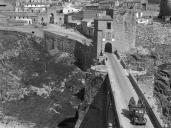 Las imágenes del soldado y fotógrafo Michele Francone de Toledo en la Guerra Civil