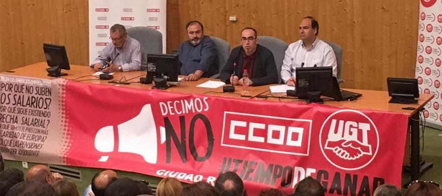 Paco de la Rosa y Carlos Pedrosa, antes de reunirse con delegados sindicales