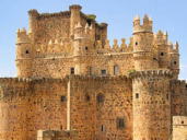 """El castillo de Guadamur (Toledo), escenario del último capítulo de """"La catedral del mar"""""""
