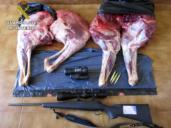 """Tres furtivos, """"cazados"""" en una zona cercana a Cabañeros con un ciervo troceado"""