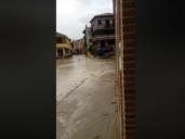 Las lluvias vuelven a hacer correr el agua por las calles de Cebolla