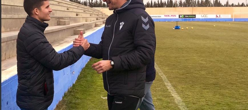 Luis Miguel Ramis saluda a Álvaro Peña