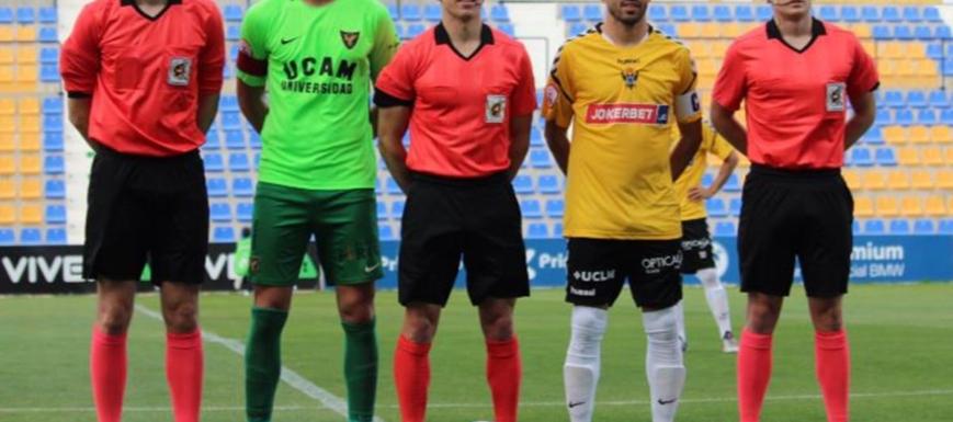 Antes del inicio del partido entre UCAM Murcia y Talavera