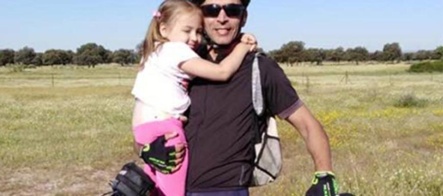 Manuel Castilleja, con su hija Daniela en pleno reto