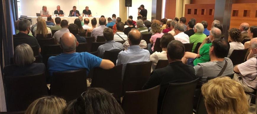 Asamblea donde se decidió que Isidoro Gómez siga un año más