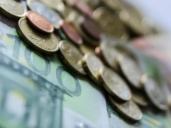 Dinero de la Junta para el empleo de los jóvenes titulados
