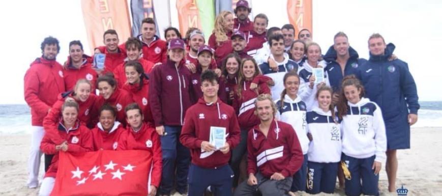 Castilla-La Mancha (en el centro), campeones de España de salvamento y socorrismo