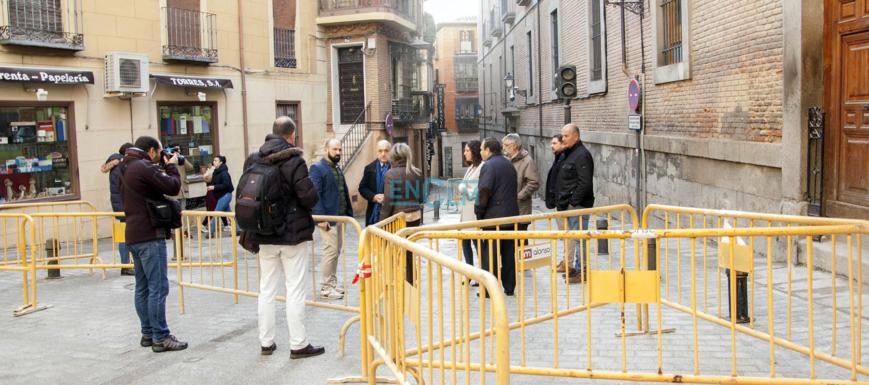 Milagros Tolón, en el final de las obras en la calle Navarro Ledesma, de Toledo