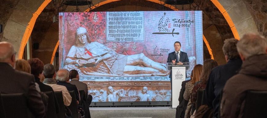 Page anunció en Sigüenza que esta ciudad quiere ser Patrimonio de la Humanidad