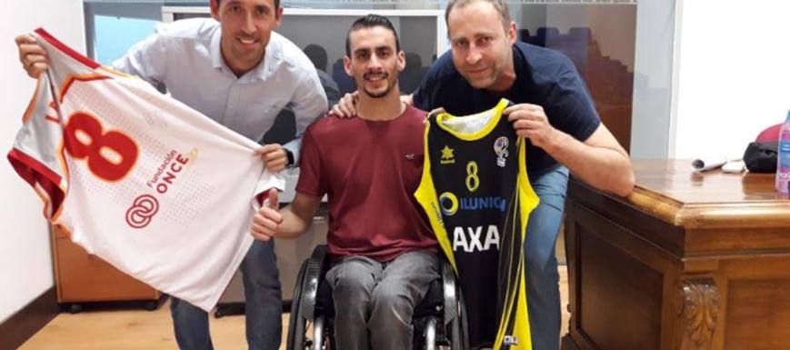 Fran Lara (en el centro) opina sobre el aplazamiento de las Paralimpiadas