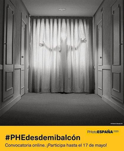 Cartel #PHEdesdemibalcon de PhotoEspaña 2020